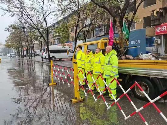 """铁西区24支抢险队迎战""""最强降雨"""""""