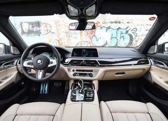 宝马(进口) 宝马7系 2017款 M760Li xDrive宝马(进口) 宝马7系 2017款 M760Li xDrive