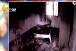 11岁男童因不让玩手机 火烧卧室后离家出走