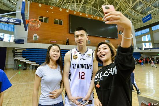 杨鸣留辽篮无悬念 或球员兼教练身份打1-2年