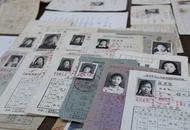 沈阳市民收藏上百张高考准考证