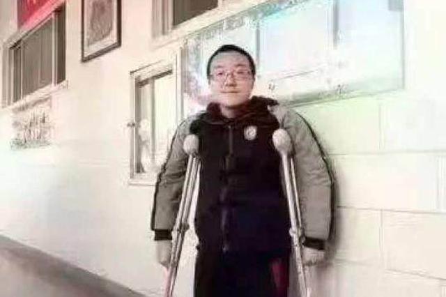 高分残疾考生请求带母上学 清华:已为母子准备宿舍