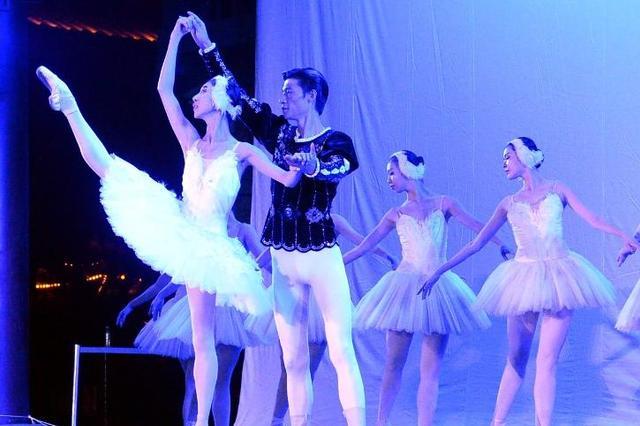 辽宁芭蕾舞团在云飏阁带来精彩表演