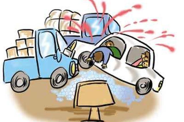 出租车与消防车惨烈相撞 的哥和乘客死亡