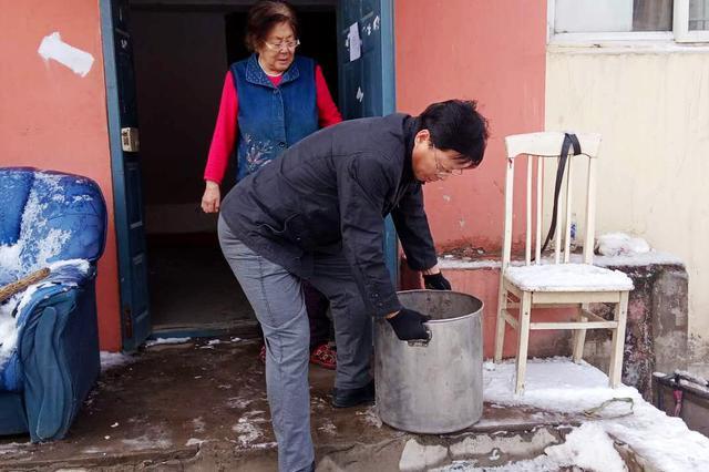 沈阳市辽中区4626名机关干部认领弃管小区