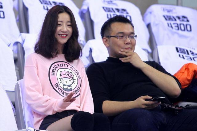 辽宁不仅男篮能夺冠 辽宁女球迷论颜值在全国也能夺冠