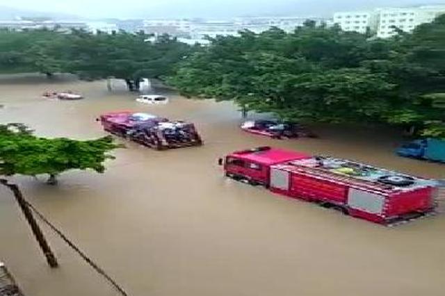 高考遭遇台风 广东出动运兵车冲锋舟送考生入场