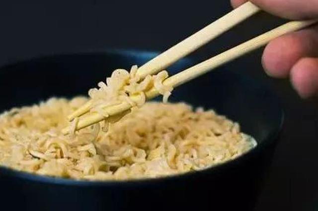 一次性筷子居然是有保质期的 3招教你远离脏筷子
