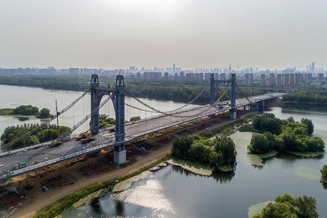 沈阳东塔跨浑河桥工程全面收尾 近期将具备通车条件