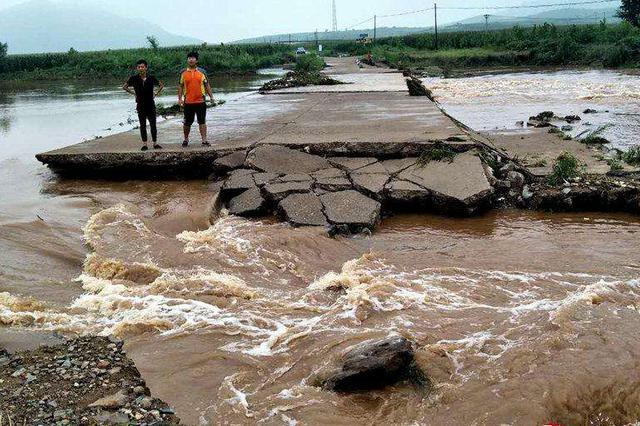 辽宁多地遭遇强降雨 4县受灾3万余人紧急转移