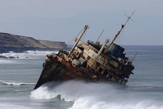 遼寧葫蘆島一運砂船翻沉事發時船上載有11人