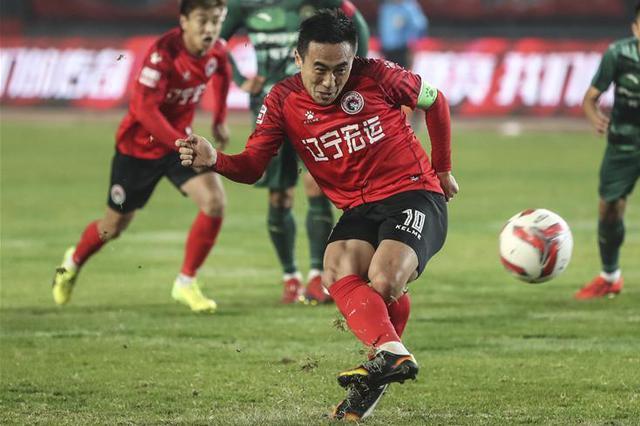 中甲联赛:辽足主场1-2不敌浙江绿城队