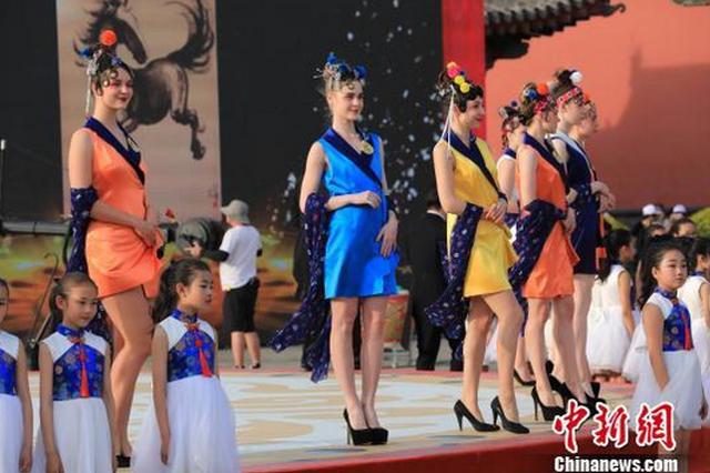 以音乐传递沈阳旗袍文化 留存古典古韵的芳华