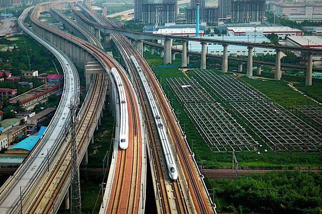 沈阳至重庆首次开通直达高铁列车