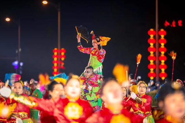 年味中国花灿烂 灯耀金普红大连 2020金石滩第三届新春花灯会启幕