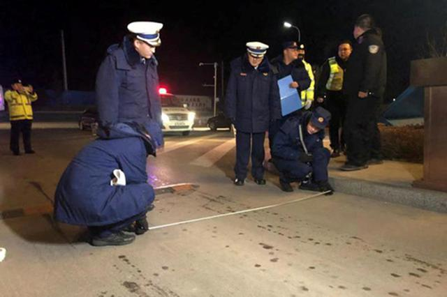 辽宁:夜查消防通道,用制度确保畅通