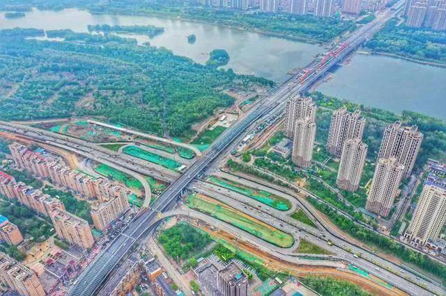 今年8月底前沈阳长青街快速路地面道路将形成双向6车道通车条