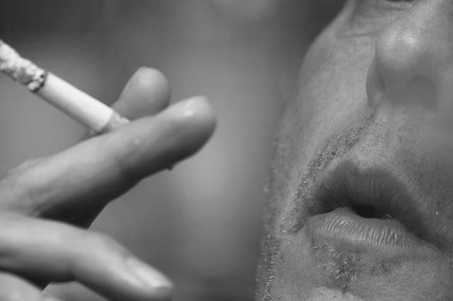 《大连市控制吸烟条例》7月起实施