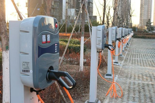 大连充电设施进小区解居民难题