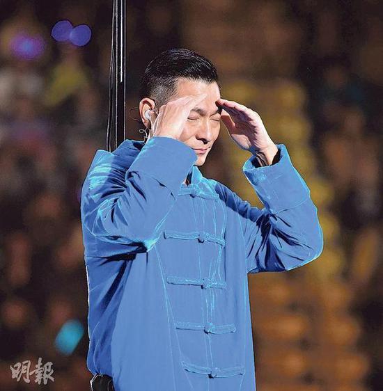 刘德华12月28日宣布演唱会无法继续(?#35745;?#26469;源:香港《明报》)