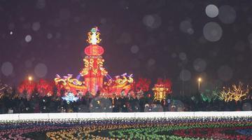 沈阳:元宵节之夜欢喜闹元宵