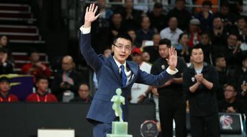 辽宁男篮为杨鸣举行退役仪式
