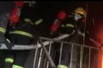 居民楼里起火 女童1张纸条救了5人