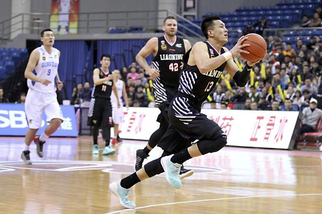 辽宁男篮121∶108主场取胜 提前6轮获得季后赛资格