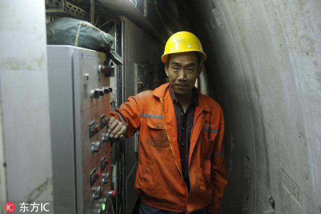 探访沈阳地铁隧道施工现场 工作不分昼夜