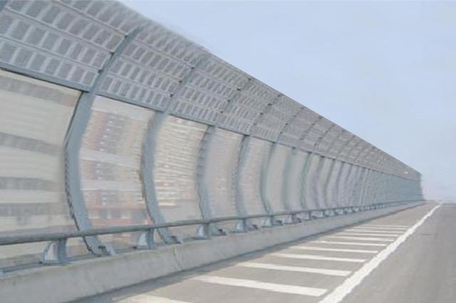 沈阳对所管辖的隔音屏设施进行集中清洁