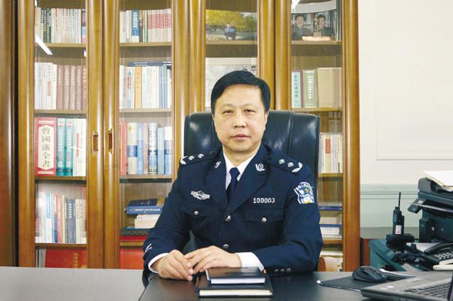 沈阳市公安局副局长:实施交管提升 严打食品犯罪