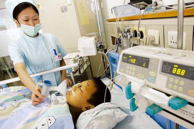 辽宁3岁幼童吃萝卜丝包子 呛咳进重症监护室抢救