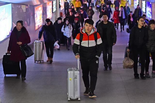 沈阳铁路迎来春节假期客流返程高峰