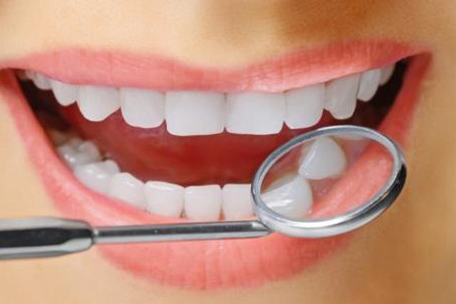 一口好牙迷死人 专家提醒:啜饮果茶腐蚀牙齿
