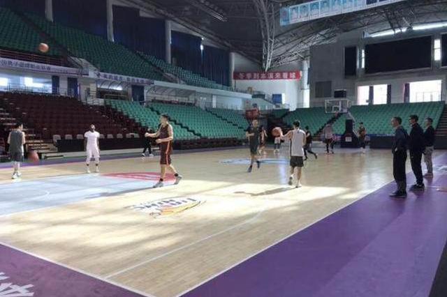 辽宁男篮本溪集结备战 季后赛或战冤家北京队