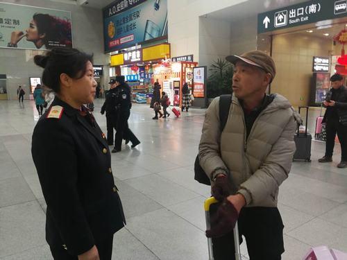 沈阳北站值班员看20年春运变化