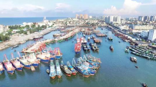"""新中国70年:中国广西侨港的""""十二时辰"""""""