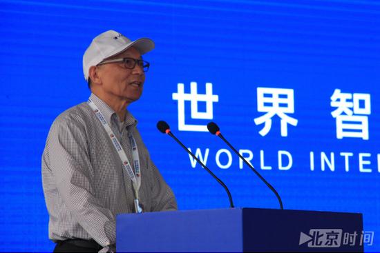 中国工程院院士、中国人工智能学会理事长李德毅致辞(潘琦 摄)