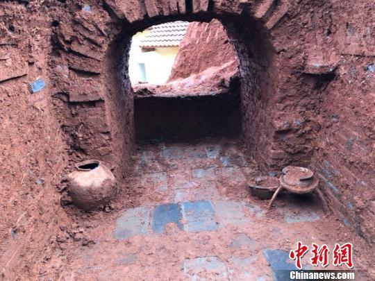 汉墓分为墓道、墓室两部分。 李玉明 摄