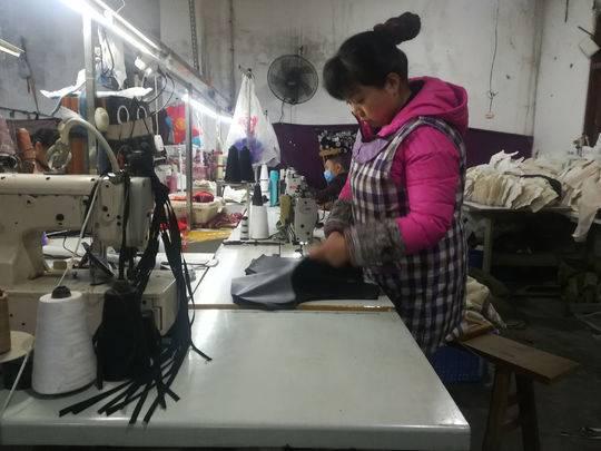 服装代加工厂:备货量下降 电商生意难做