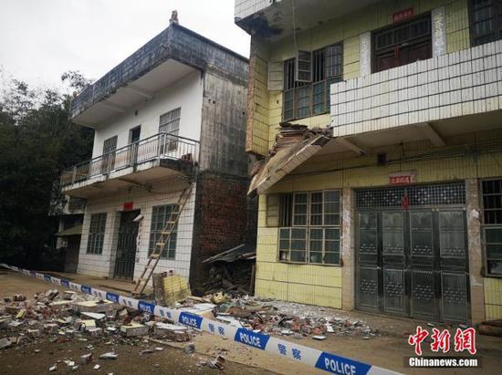 广西靖西发生4.3级地震造成四百