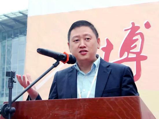 ▲微笑明天慈善基金会理事长 吴伟先生致辞
