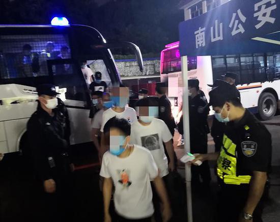 ▲犯罪嫌疑人均被南山警方依法刑事拘留