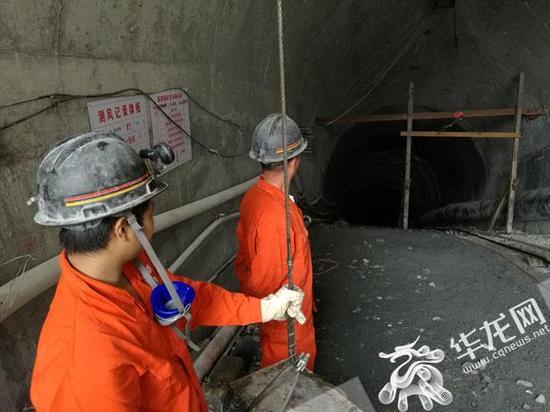 秀山县明确规定没有配备总工程师的企业,一律不予复工复产,新建地下矿山企业必须配备总工程师。记者 伊永军 摄