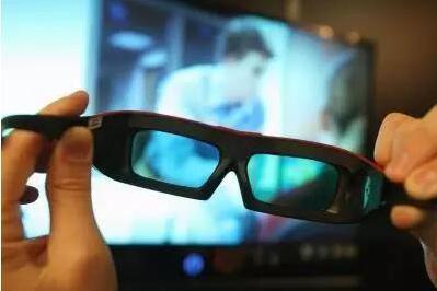 武汉女子看完3D电影眼肿似葡萄 因3D眼镜消毒不过关