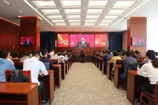 10月18日——学习宣传贯彻党的十九大精神