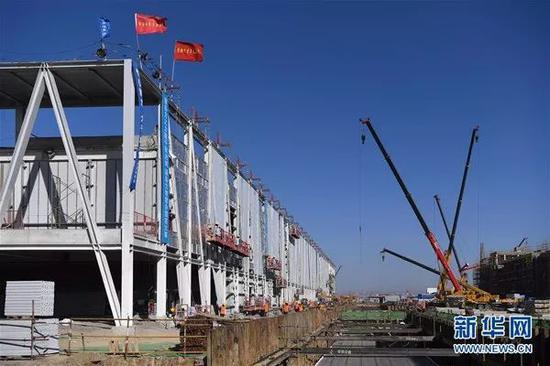 雄安市民服务中心项目施工现场。新华社记者申宏摄