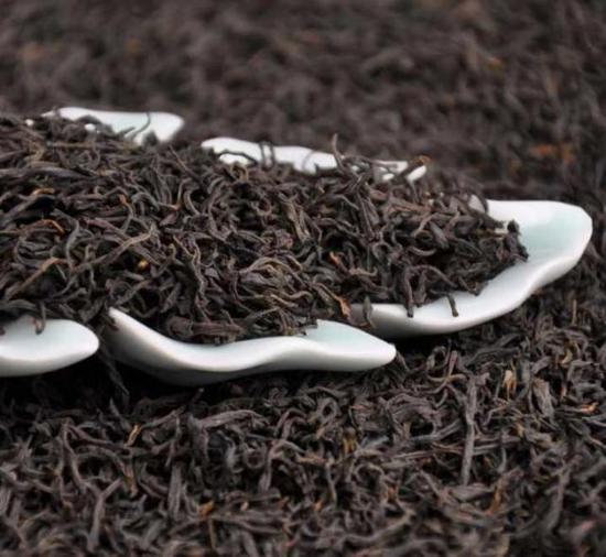 村里种的茶叶