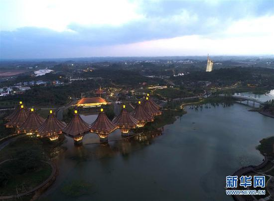 南宁园博园景色(12月2日无人机拍摄)。新华社记者 周华 摄