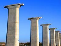 珠三角城际东环广州南至白云机场段第一座桥墩建成
